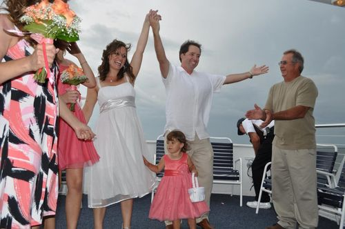 Ted and Leah Payne boat wedding